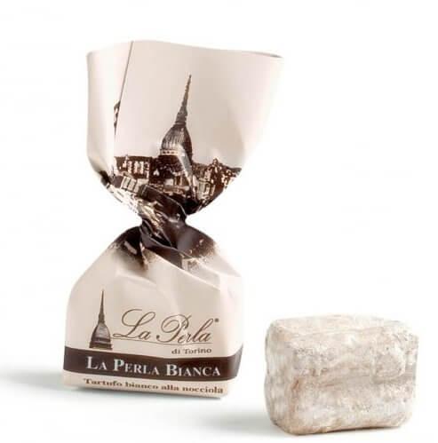 einzelner weisser-schokoladetrueffel-la-perla
