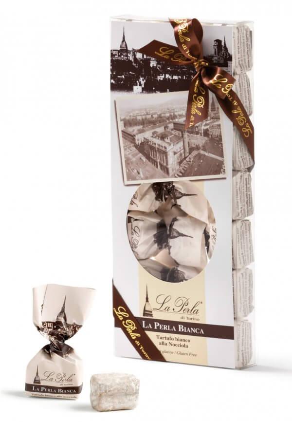 packung mit weissen schokoladetrüffel aus turin