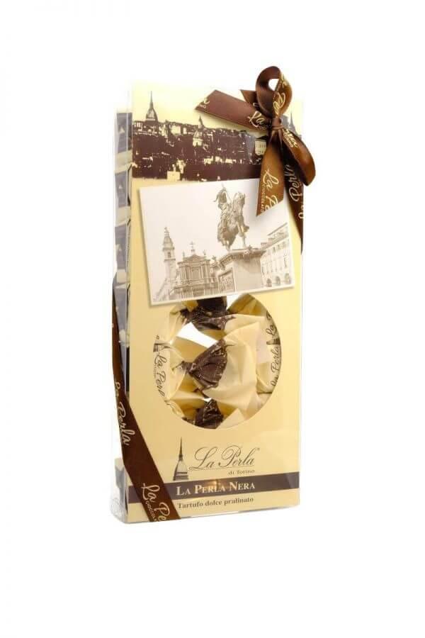 perla nera schokoladekonfekkt mit haselnusssplittern von la perla di torino aus turin in piemont in 210 gramm verpackung