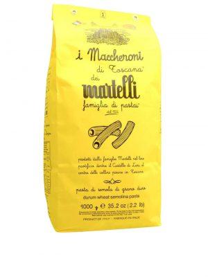 maccheroni kurze gerillte nudeln von familie martelli aus lari in der toskana