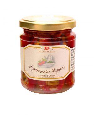 peperoncini mit sardellen und kapern gefuellt von familie brezzo aus dem piemont