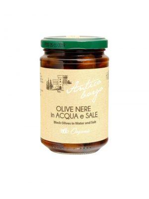 schwarze oliven in salzlake aus der maremma in der toskana biologischer anbau