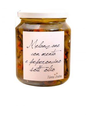 in olivenoel eingelegte melanzani mit minze und peperoncino leicht scharf von nonno andrea aus treviso 390 gramm
