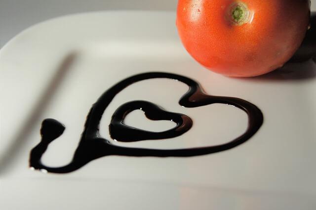 aceto balsamico mit tomate