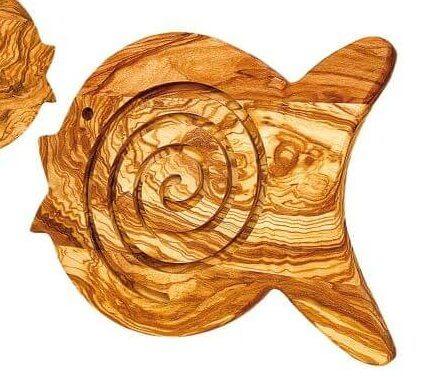 untersetzer-aus-olivenholz-in-fischform